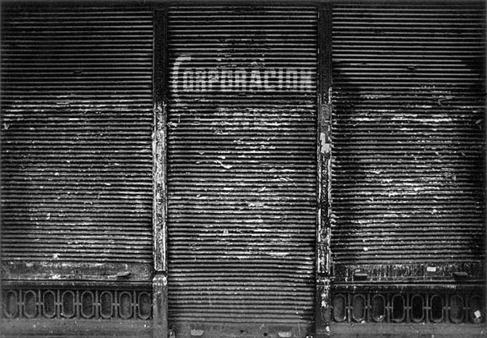 52432a984c2f3facundo-de-zuvirira-siesta-argentina-corporación-2003-n39-fotografia-gelatina-de-plata-28x35cm-edicion-3-ap